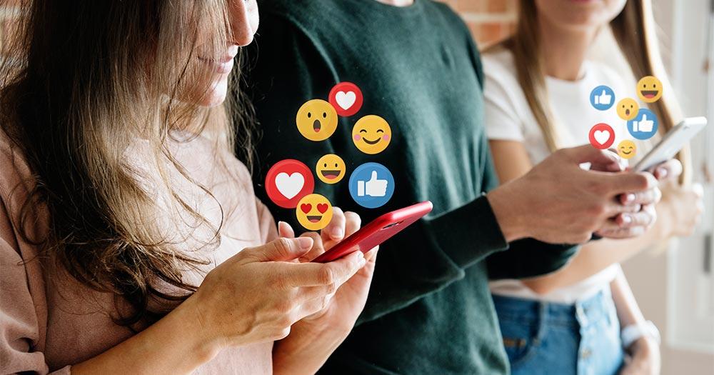 Chia sẻ trang web trên các mạng xã hội